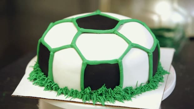 ZQ. How to Make Buttercream Grass for a Soccer Ball Cake Promo Image
