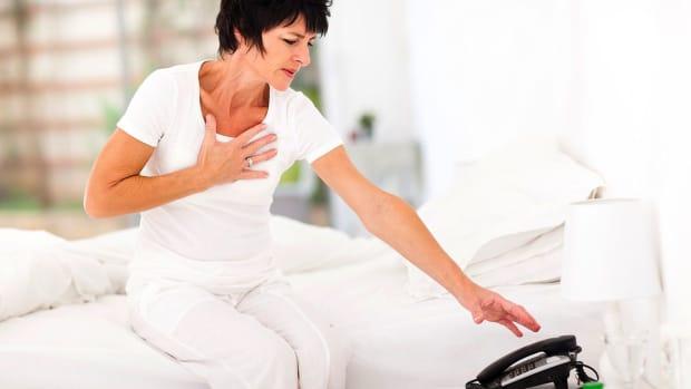 ZD. Women's Heart Attack Symptoms vs. Men's Promo Image