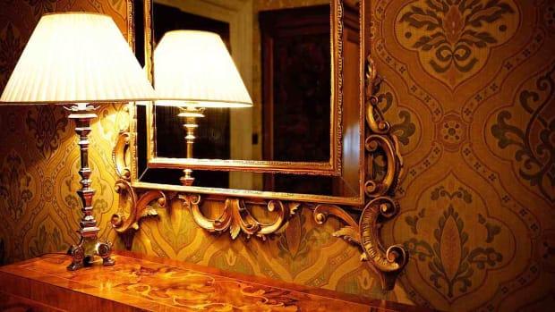 H. Vintage Home Decor Tips Promo Image