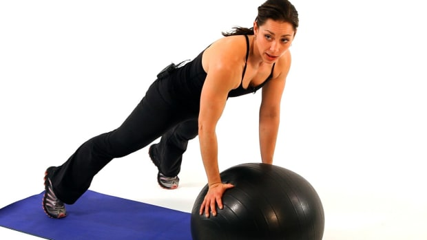 ZH. How to Use an Exercise Ball for a Boot Camp Workout Promo Image