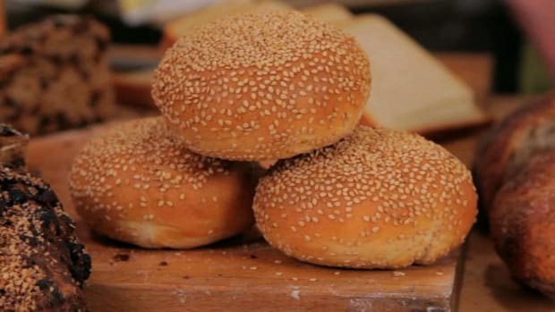 N. How to Shape & Bake Sesame Buns Promo Image