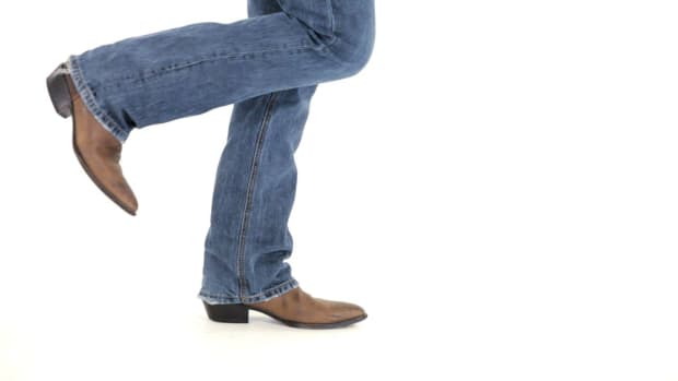 L. How to Do Leg Lifts in Line Dancing Promo Image