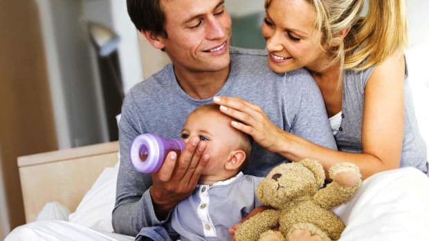 ZG. How to Set a Baby Feeding Schedule Promo Image