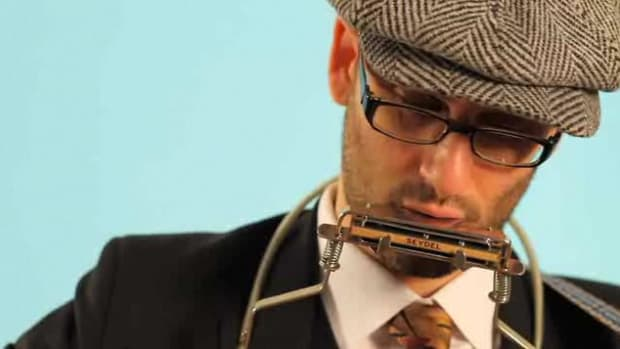 B. How to Play Notes on a Harmonica Promo Image
