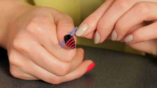 B. How to Do a Stripe Nail Art Design with Tape Promo Image