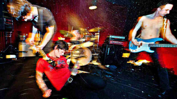 ZU. How to Take a Concert Photograph with a Digital Camera Promo Image