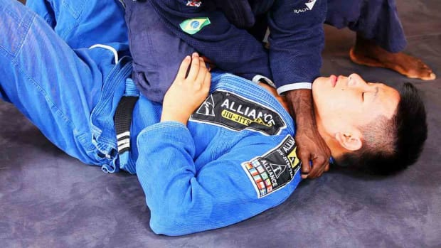 ZJ. How to Choke from Knee on Stomach in Brazilian Jiu Jitsu Promo Image