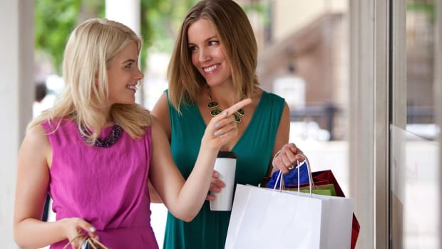 ZT. How to Make Shopping Eco-Friendly Promo Image