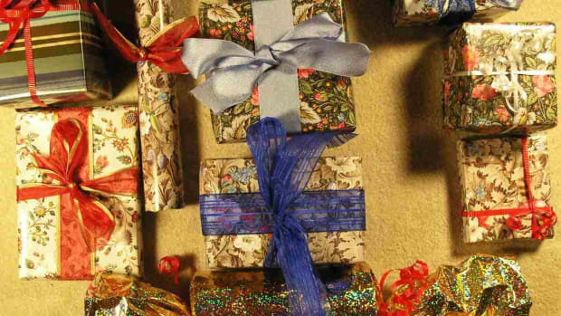 E. How to Wrap a Present Creatively Promo Image