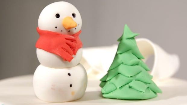 M. How to Make a Fondant Christmas Tree Promo Image