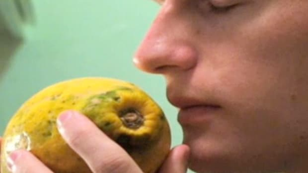 O. How to Tell If a Papaya is Ripe Promo Image