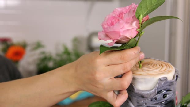Lesson 10: Decorating with Real Flowers Promo Image