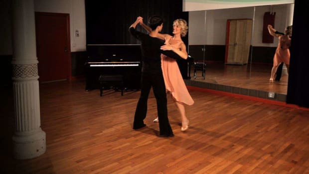 T. How to Do a Foxtrot Sway Step Promo Image