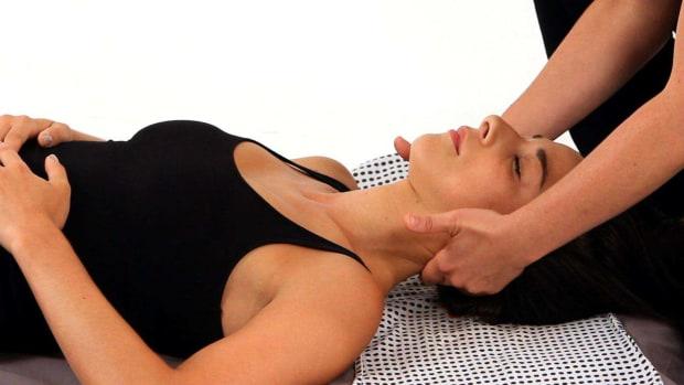 T. How to Give a Shiatsu Neck Massage Promo Image