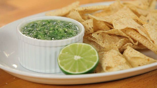 N. How to Make Green Salsa Promo Image