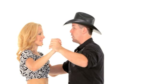 ZH. How to Do a Basic Turn in Closed Position for Line Dancing Promo Image