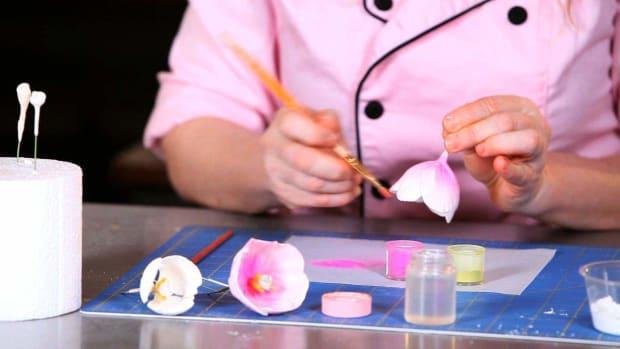 U. How to Paint Tulip Sugar Paste Flower Petals Promo Image