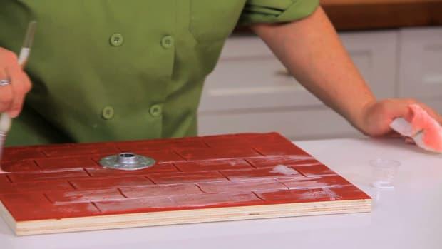 Lesson 2: Preparing the Cake Board Promo Image