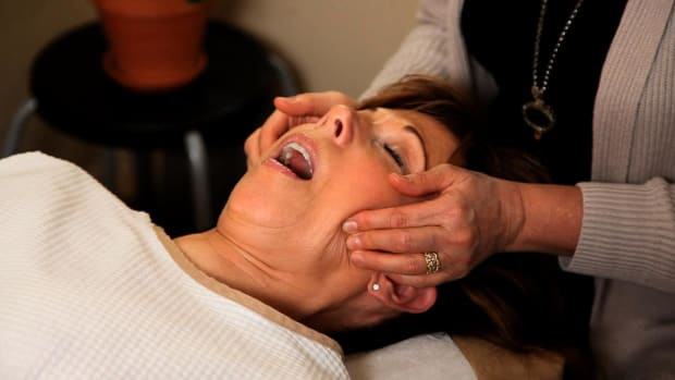 L. How Is TMJ Pain Treated by a Chiropractor? Promo Image