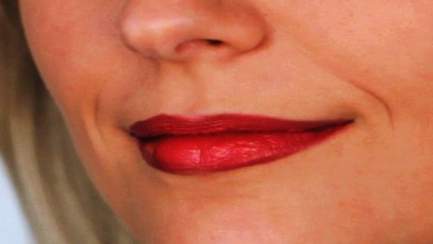 R. How to Do Pinup Lip Makeup Promo Image