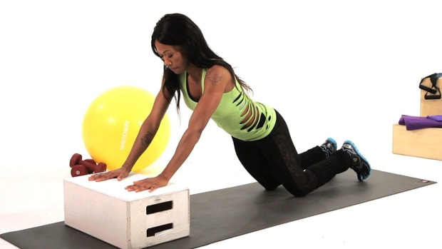 ZI. 3 Upper Body Plyometric Exercises for Women Promo Image
