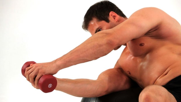 ZE. How to Do a Lying Twist on Exercise Ball Promo Image