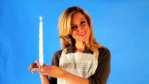 ZF. Quick Tips: How to Make Glittering Candles Promo Image