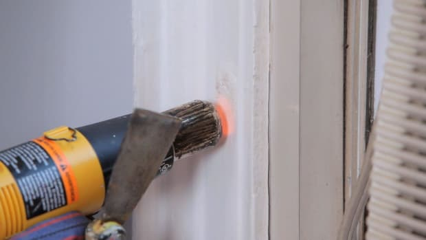 N. How to Strip Paint Using a Heat Gun Promo Image