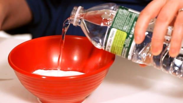 M. How to Make a Baking Soda Facial Mask Promo Image