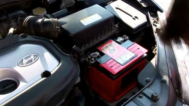 W. How to Buy a Car Battery Promo Image