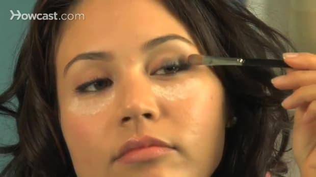 H. كيفية الحصول على تأثير دخاني للعين Promo Image