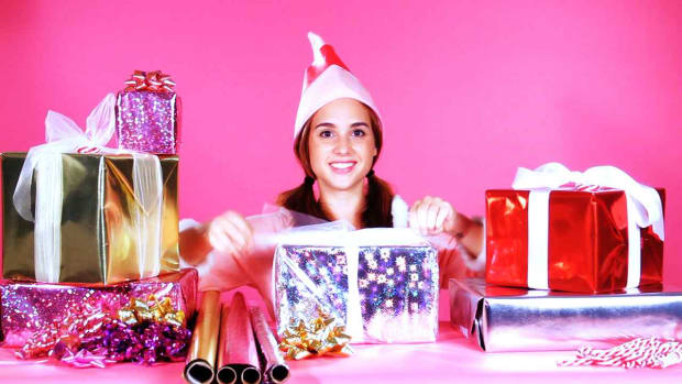 H. Quick Tips: How to Keep Bows & Tags on Gift-Wrapped Presents Promo Image
