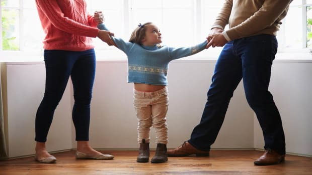 B. How to Help Kids Get Thru the Holidays during Divorce Promo Image
