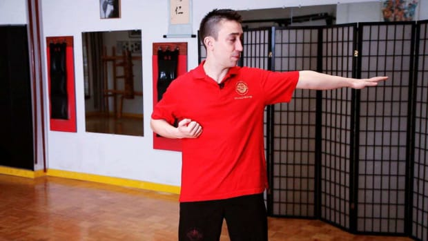 H. How to Do the Chum Kiu Form in Wing Chun Promo Image