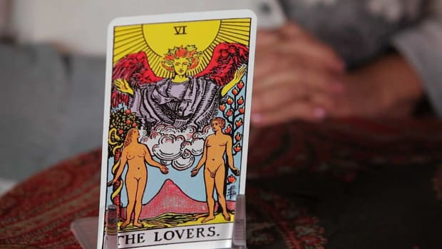 W. How to Read the Lovers Tarot Card Promo Image