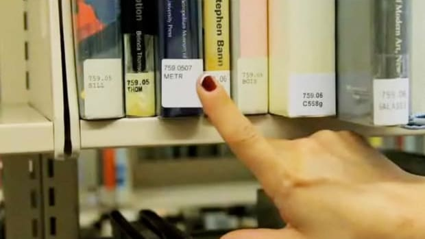 O. How to Understand the Dewey Decimal System Promo Image