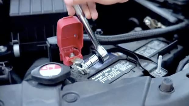 I. How to Disconnect a Car Battery Promo Image