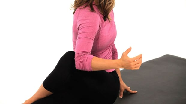 E. How to Do a Seated Twist for Energy in Yoga Promo Image