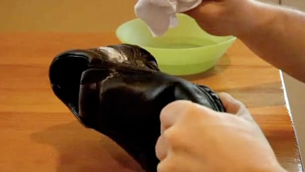 O. How to Remove Salt Stains from Shoes Promo Image