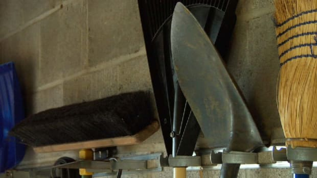 ZH. Quick Tips: How to Store Metal Tools for Winter Promo Image