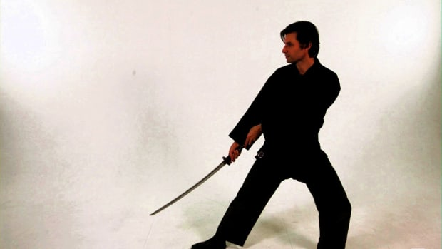 ZC. How to Do a Lai Katana Draw Strike in Sword Fighting Promo Image