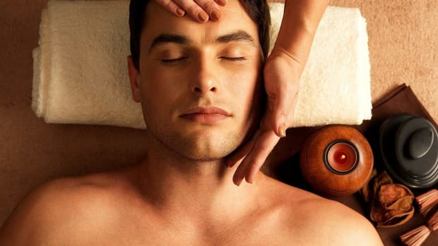 R. How to Become a Massage Therapist Promo Image
