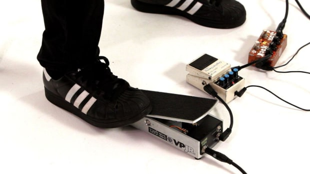 N. How to Put the Guitar Delay Pedal First with a Volume Pedal Promo Image