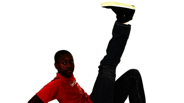 L. How to Do the Hinge Kick Hip-Hop Dance Move for Kids Promo Image
