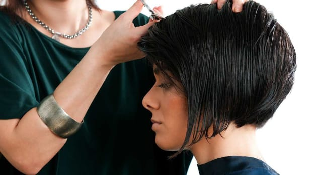 ZG. 2 Tips for Styling Your A-Line Bob Promo Image