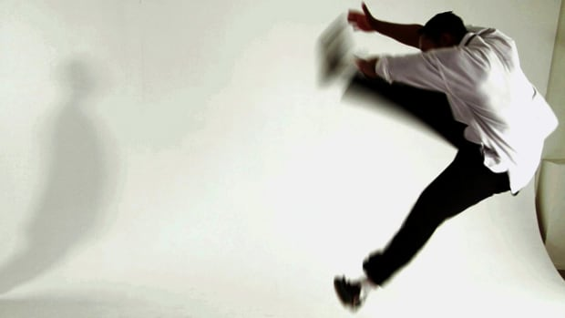 ZZ. How to Do the Jump Outside Kick from Shaolin Kung Fu Promo Image