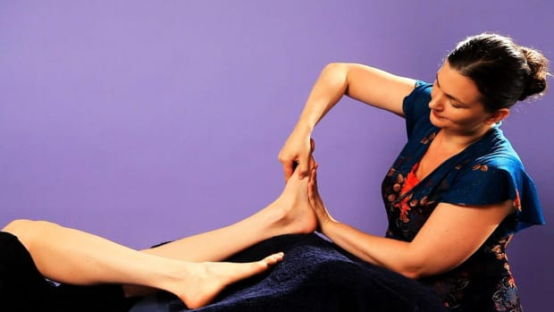 ZA. How to Work the Inside of the Foot with Reflexology Promo Image