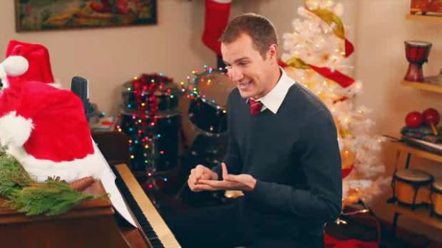 "L. How to Play ""Jingle Bells"" on Piano Promo Image"
