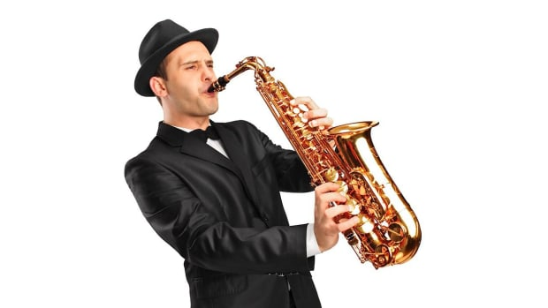ZE. How to Play B Flat Major Scale & G Minor on the Sax Promo Image