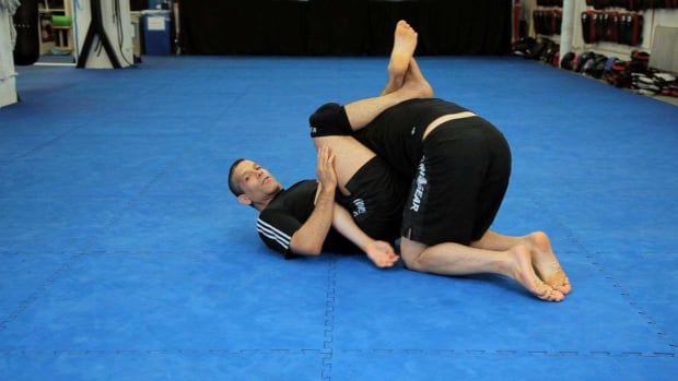 ZU. How to Do a Rolling Omoplata vs. Single Leg Takedown Promo Image